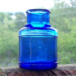 //www.kaboodle.com/reviews/cobalt-blue-ink-well-vintage-bottle