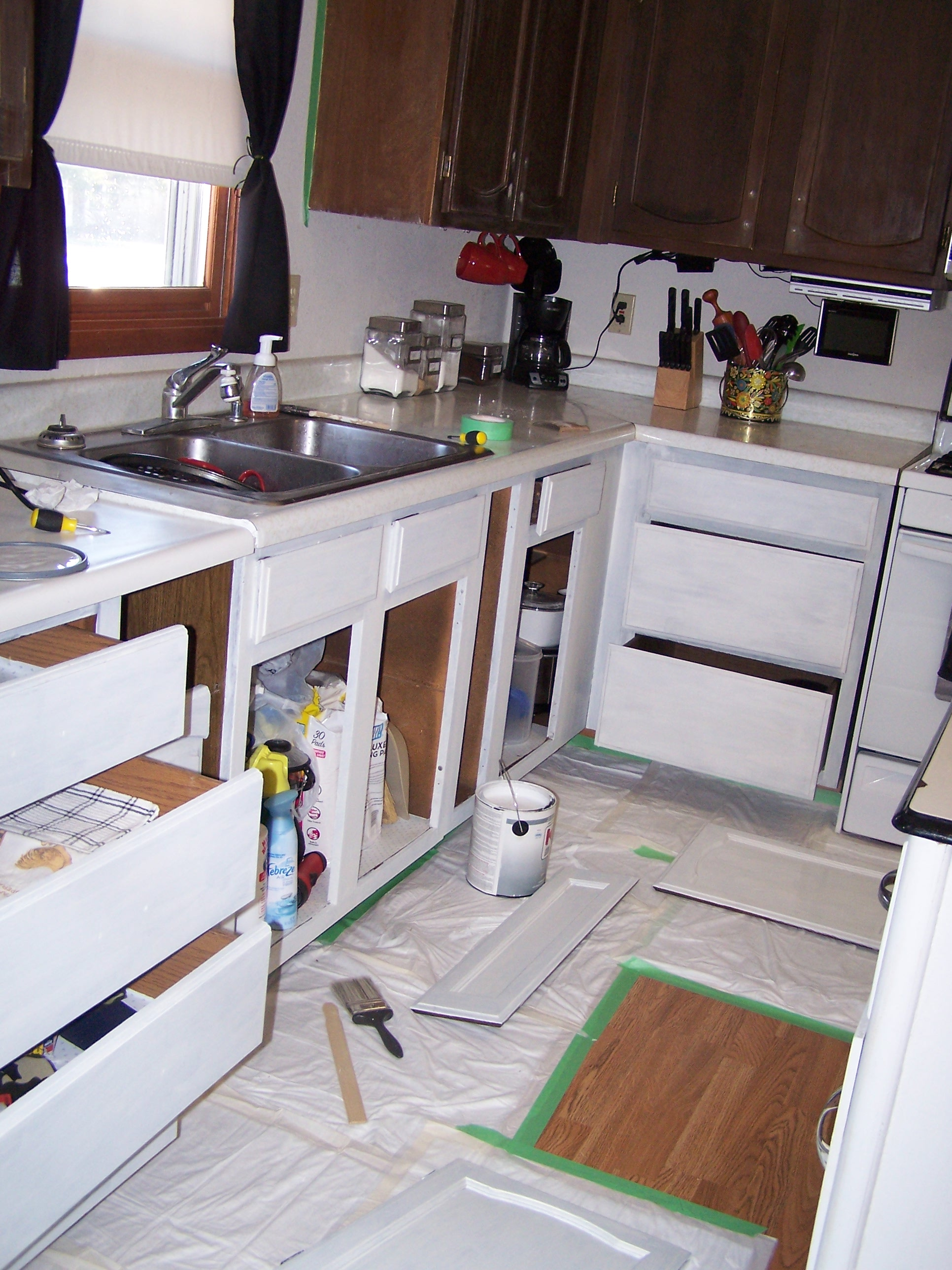Progress the kitchen make mine eclectic for What kind of paint to use on kitchen cabinets for pliage papiers