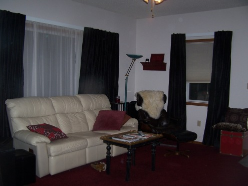living-room-curtains-and-red-cups-004