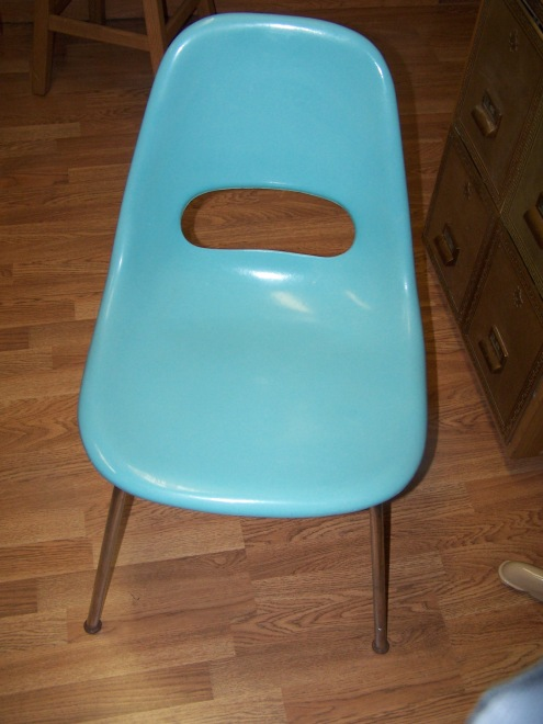 chair-and-hutch-for-sale-001