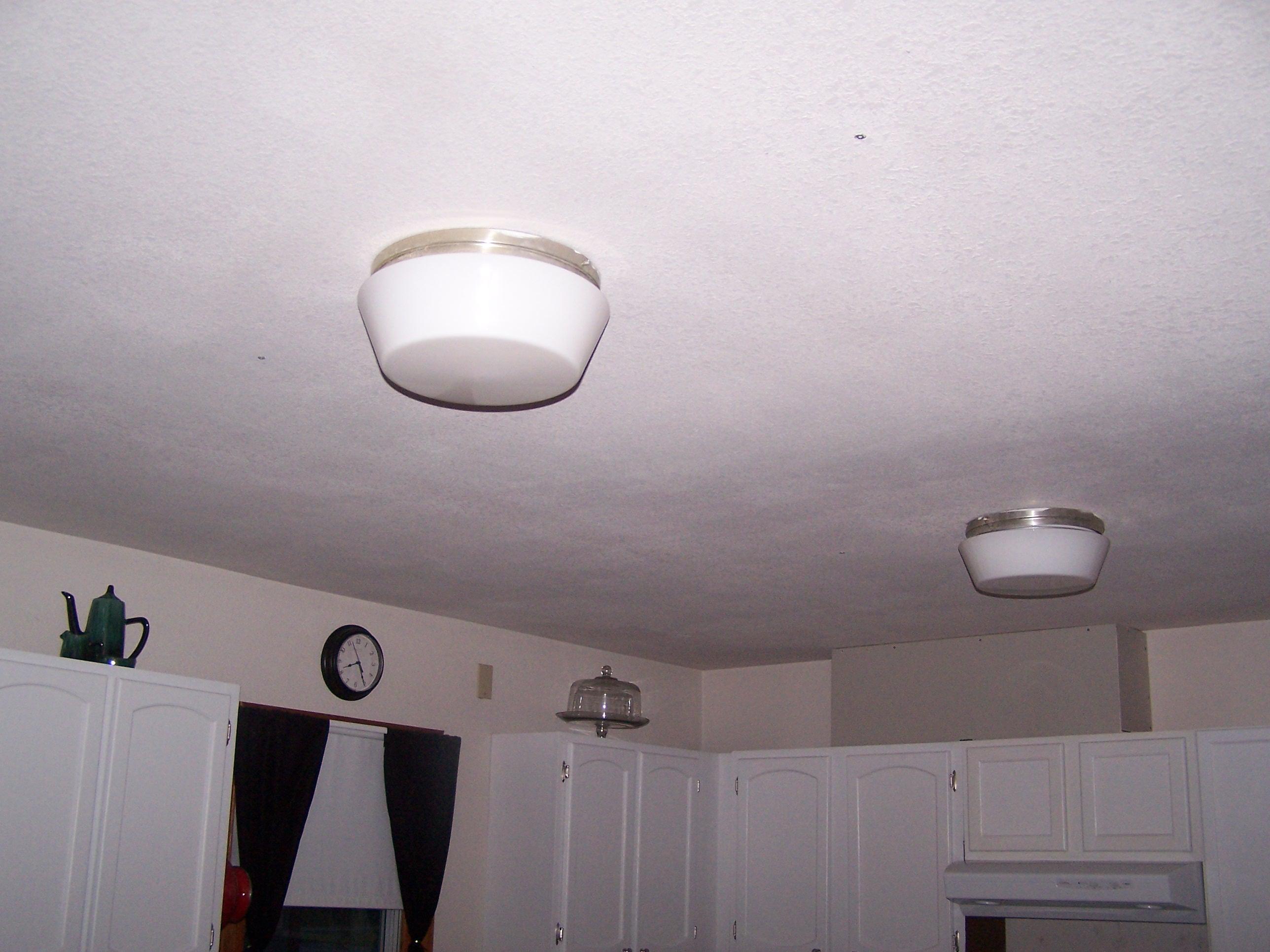 kitchen light 001