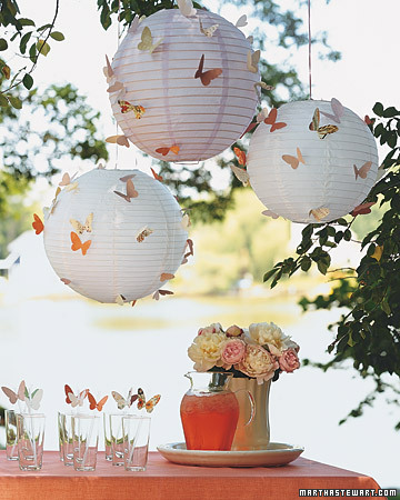 http://www.marthastewart.com/photogallery/outdoor-party-decorations?lnc=1a89cf380e1dd010VgnVCM1000005b09a00aRCRD&rsc=lpg_home&lpgStart=1&currentslide=5&currentChapter=1#ms-global-breadcrumbs