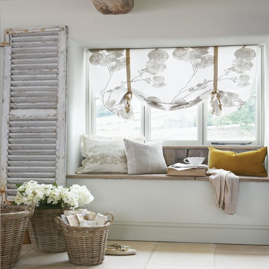 Sofa make mine eclectic for Bedroom window styles